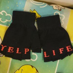 Yelp navy fingerless gloves